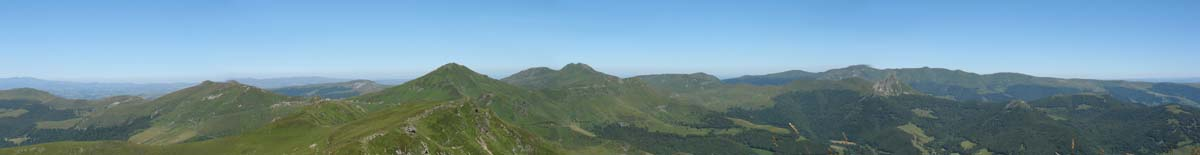 Tourist attractions monuments and accommodation in Auvergne